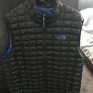 The North Face Jackets & Coats - The North Face men's puffer vest